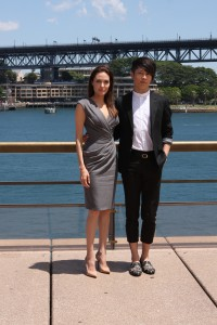 Flickr cc Eva Rinaldi - Angelina Jolie, Miyavi, Unbroken Photo Call Sydney